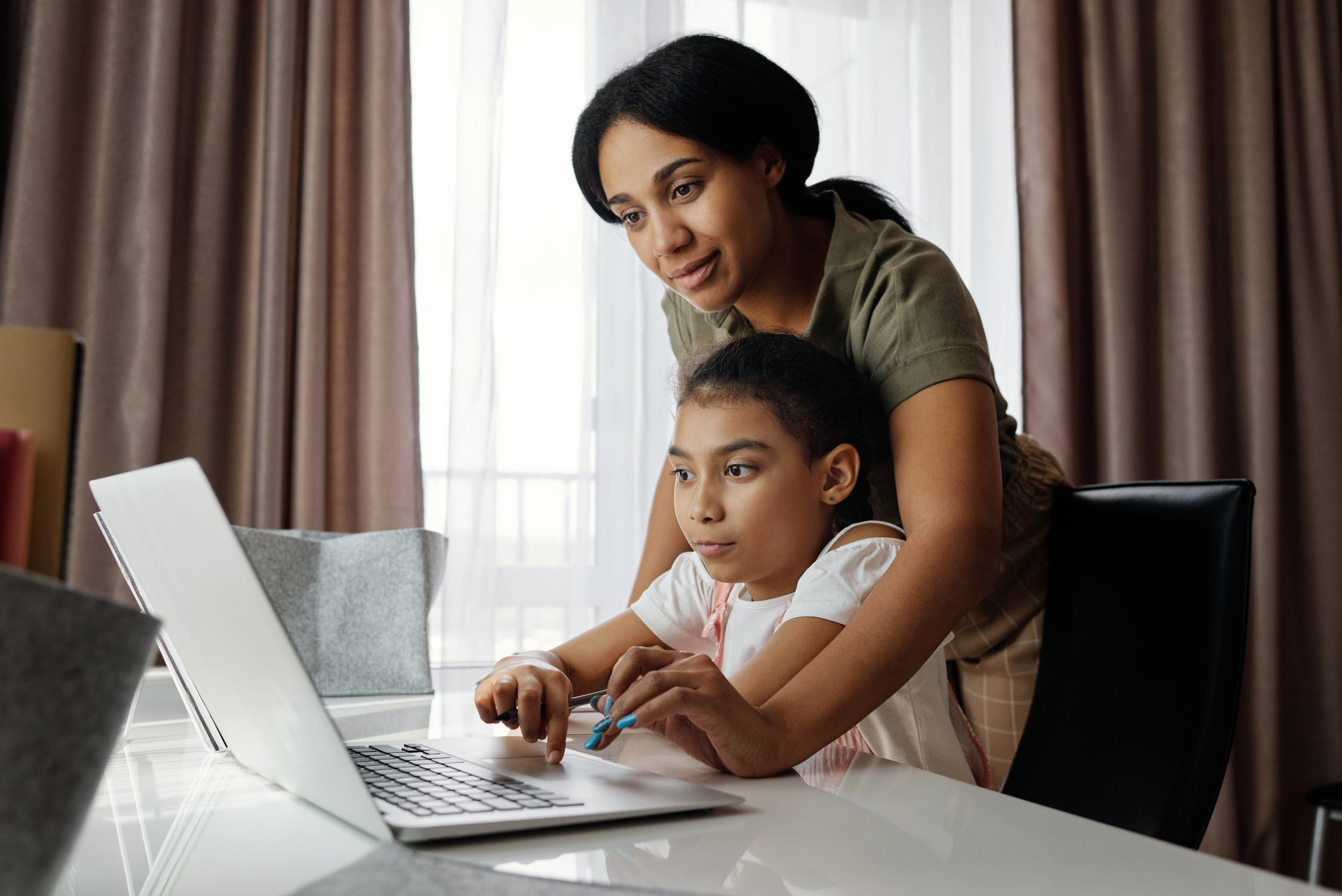 Tips for Parents on Homeschooling and Online Learning